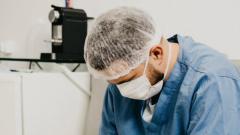 Wielka Brytania wprowadza testy, pozwalające odróżnić zakażenie koronawirusem i grypą
