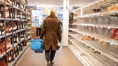 Puste półki w sklepach, jak długo to potrwa?