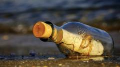 We Włoszech wyłowiono butelkę z listami matki ofiary zamachu w Manchesterze