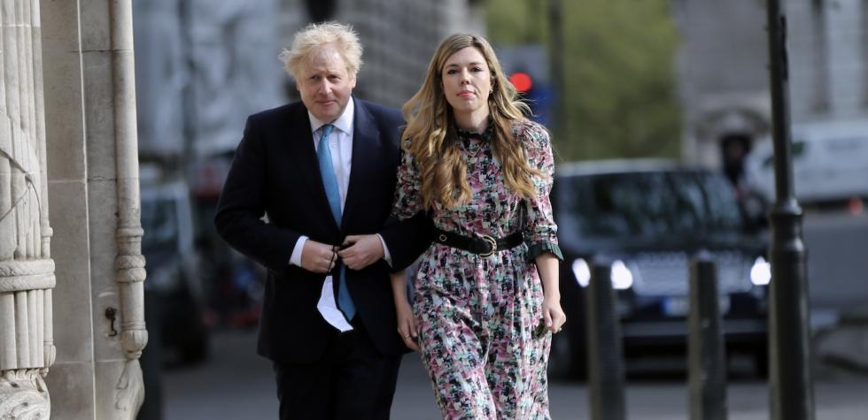 Brytyjski premier Boris Johnson poślubił w sobotę swoją narzeczoną Carrie…