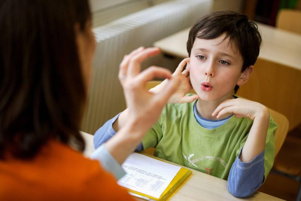 Kiedy należy udać się z dzieckiem do logopedy?