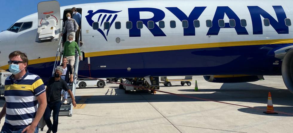 Pijany pasażer odgryzł drugiemu kawałek ucha podczas lotu z Birmingham na Majorkę