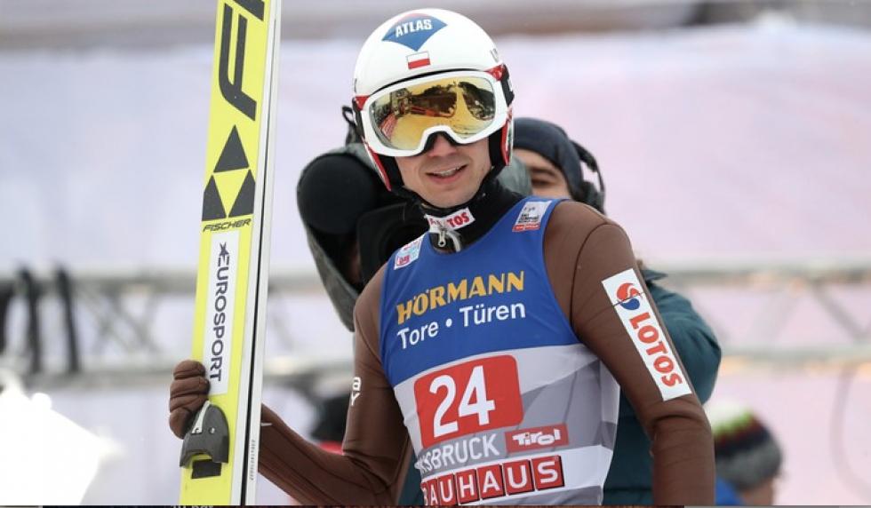 Po trzech konkursach Turnieju Czterech Skoczni Kamil Stoch zajmuje czwarte miejsce