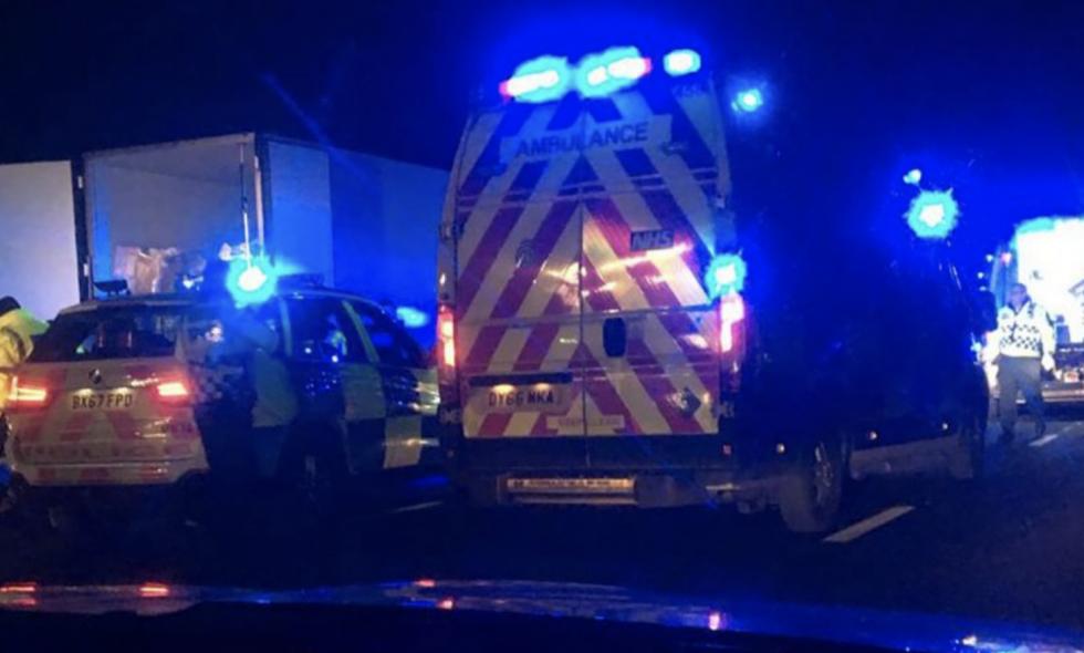 Policja zatrzymała kierowcę ciężarówki z 27 migrantami