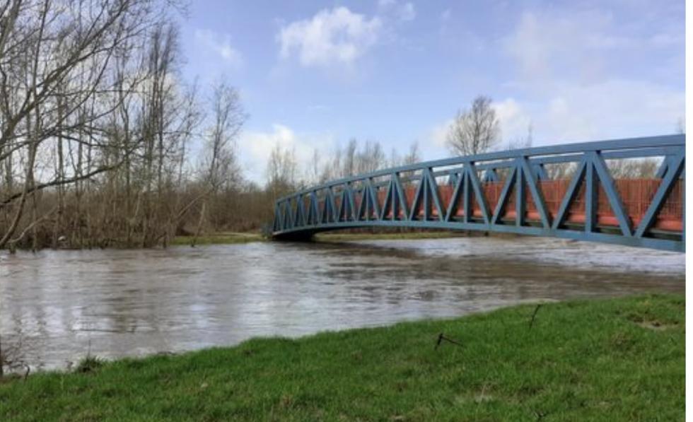 Salford w stanie zagrożenia powodziowego