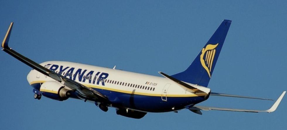 Wyrok dla Polki, która na pokładzie Ryanaira paliła papierosy, awanturowała się