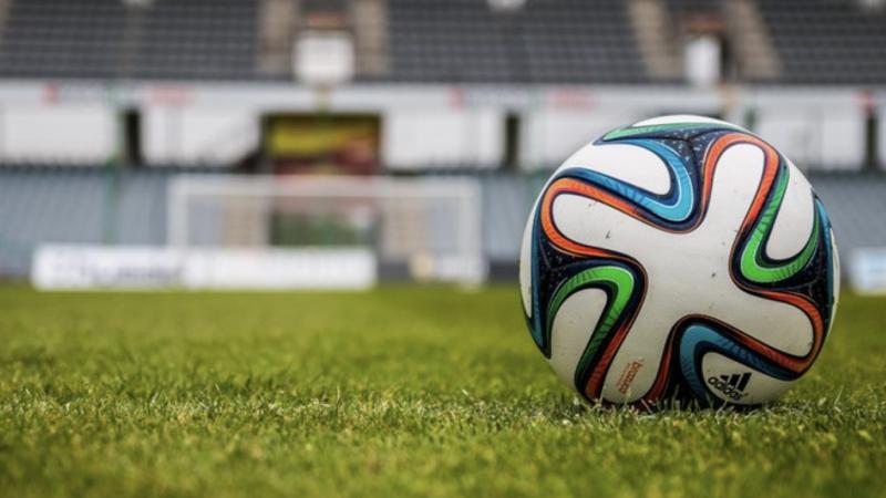Dwie przerwy zamiast jednej w meczach piłki nożnej.