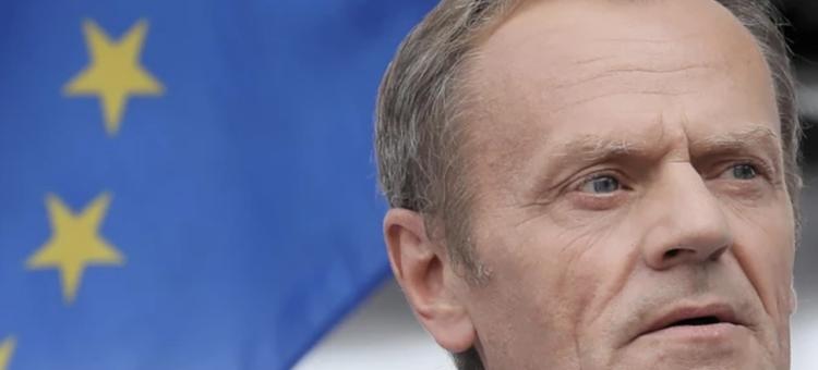 Donald Tusk poparł kandydaturę Rostowskiego na brytyjskiego europosła