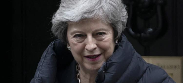 Theresa May podtrzymała, że chce opuścić stanowisko przed zakończeniem brexitu